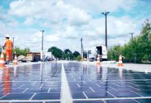 По дорожным солнечным панелям начали ездить первые автомобили - Франция запустила Wattway
