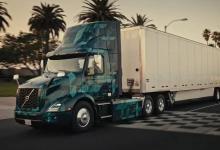 Volvo Trucks показала электрогрузовики семейства VNR (видео)