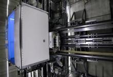 Первый в мире всенаправленный лифт без тросов тестируют в Германии (видео)