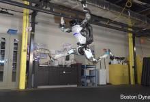 Человекоподных роботов Boston Dynamics научили кувыркаться (видео)