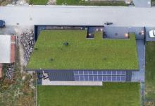 «Солнечный» дом под «зеленой» крышей: как совместить хай-тек и экодизайн придумали в Кракове