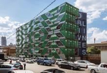 Жилой дом из 140-ка грузовых контейнеров построили в Йоханнесбурге