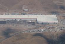 Tesla Gigafactory 1: новые фото и видео с воздуха