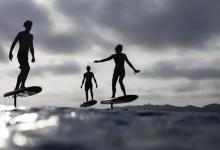 Электродоску для серфинга Fliteboard научили собирать метрики и обновляться по воздуху
