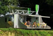 sCarabane: стильный кемпер-трансформер с солнечными панелями и ветряком