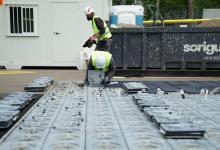 Солнечными батареями замостили историческую площадь Барселоны