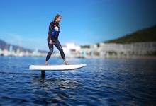 Серфинг доска с мотором и подводным крылом Waydoo выходит в продажу по цене $4999