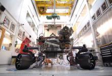 Марсианский ровер Mars 2020 поставили на колеса (видео)
