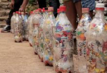 Ecobricks: как превратить пластиковый мусор в строительный материал