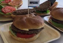 «Невозможные бургеры» выходят в свободную продажу: искусственное мясо можно будет купить в магазинах