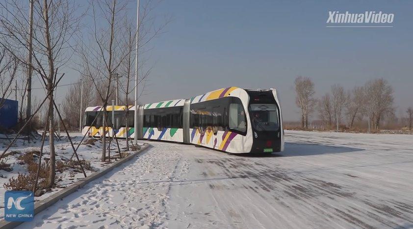 китайский поезд без рельсов