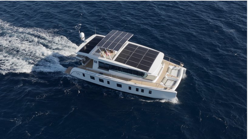 Яхта на солнечных батареях Silent Yachts