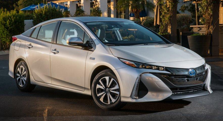 Выбор типа двигателя автомобиля-Toyota Prius Prime 2020