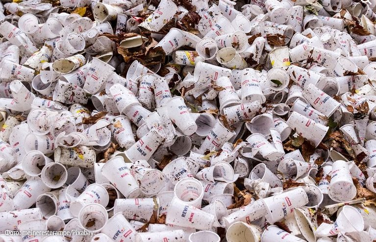 В Европе запрещают одноразовую посуду из пластика