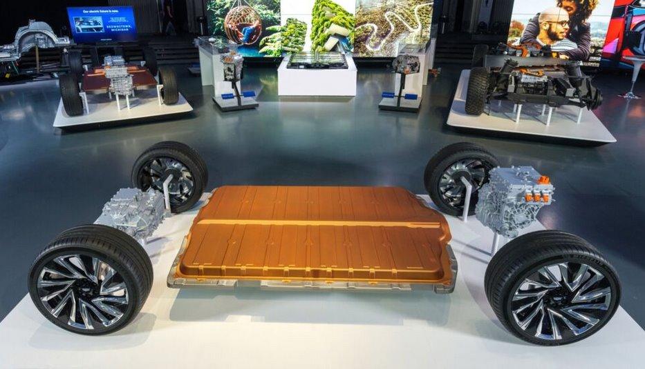 Новая электромобильная платформа GM получит батареи емокстью до 200 кВт·ч