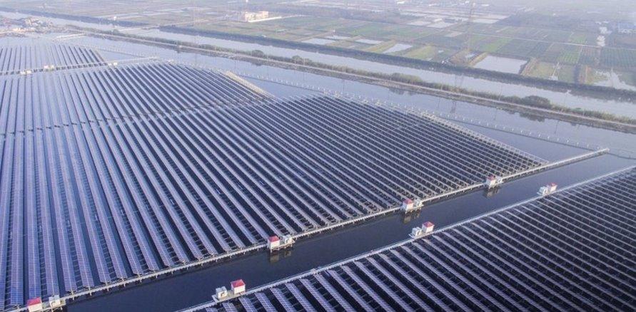 В Китае рыбохозяйственные водоемы превращают в плавучие солнечные станции