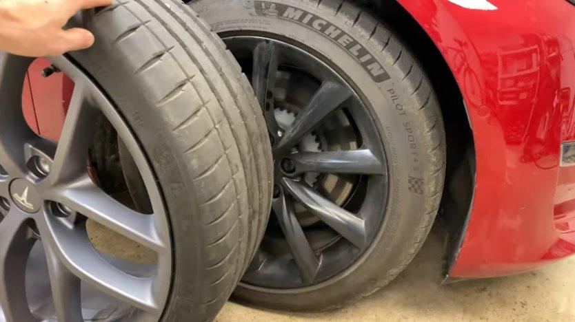Как увеличить запас хода электромобиля, поменяв колеса