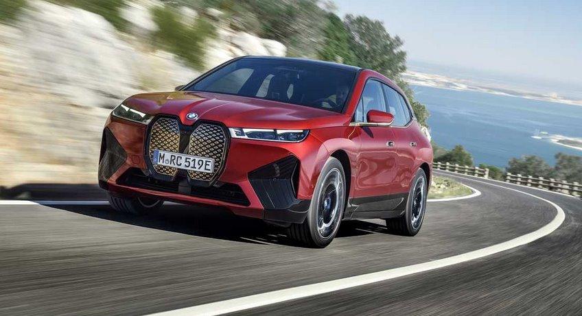 Электромобиль BMW iX