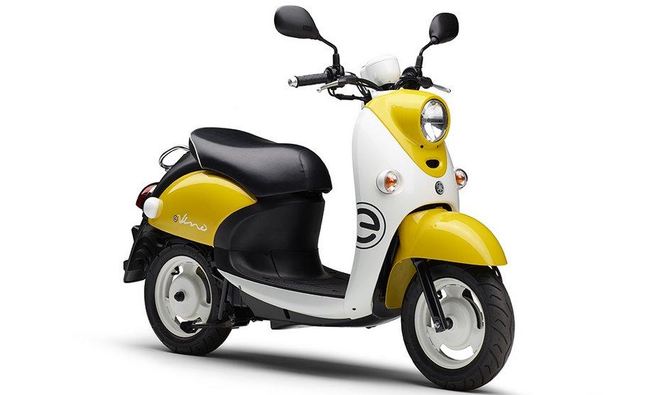 Бюджетный электроскутер Yamaha - классический дизайн Vesta и цена 2280