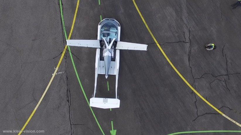 Видео летающий автомобиль от Klein Vision совершил первый полет