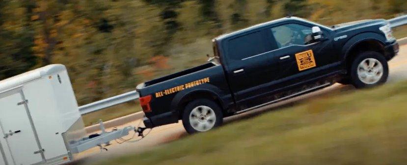 Впечатляющие возможности электрического Ford F-150 на видео и первое официальное изображение