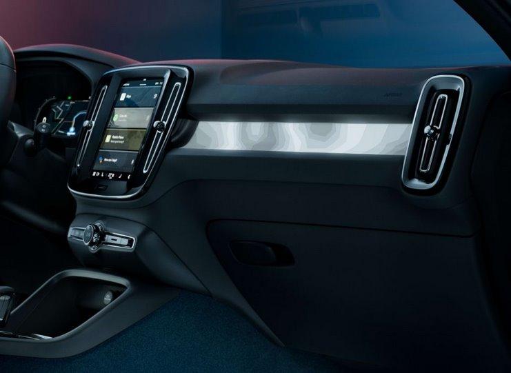 Салон электромобиля Volvo C40 Recharge
