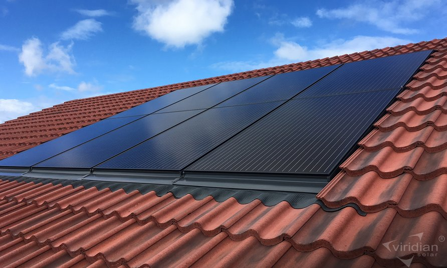 Встраиваемые в крышу солнечные панели