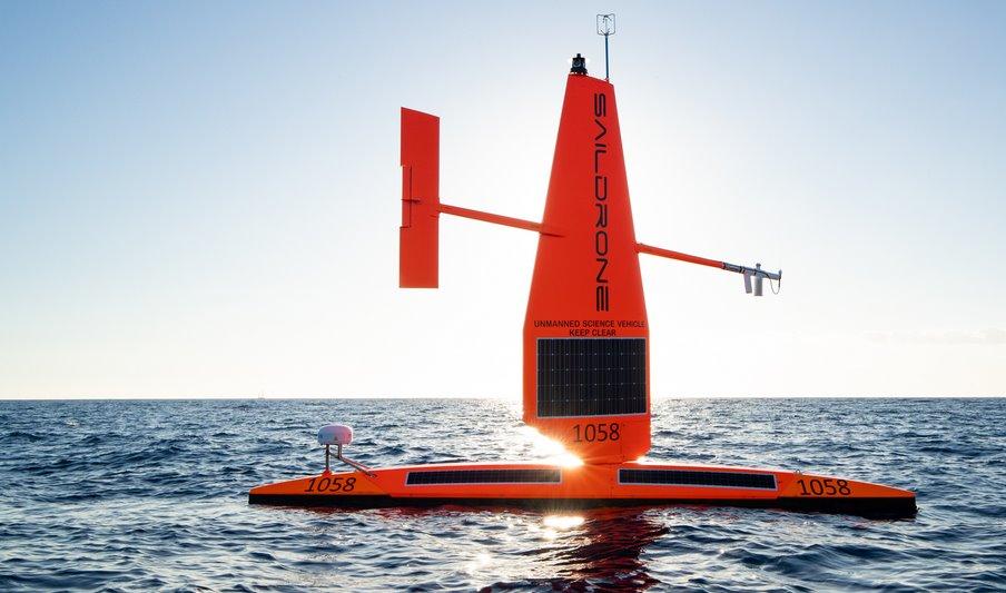 Беспилотная лодка на солнечной энергии