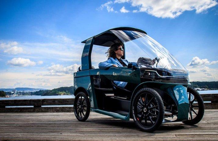 Четырехколесный электровелосипед с кабиной на двоих - CityQ - ebike of the future