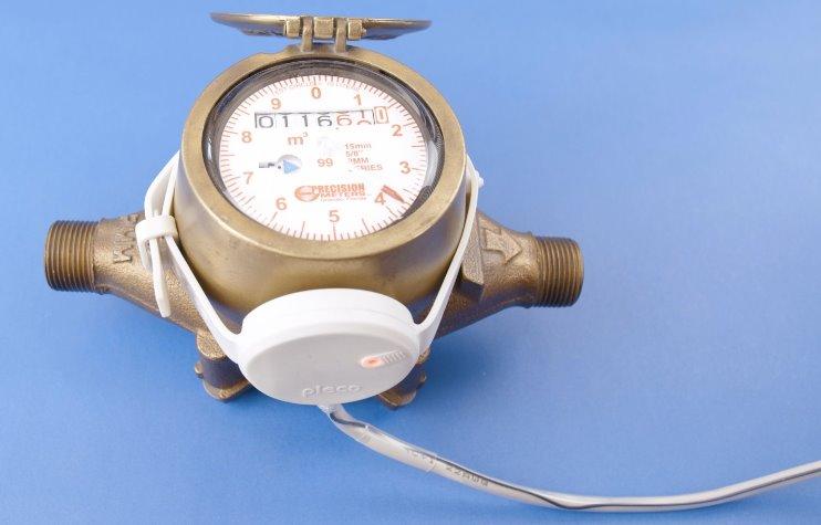 Экономию воды в доме обеспечат умные водяные часы Pleco