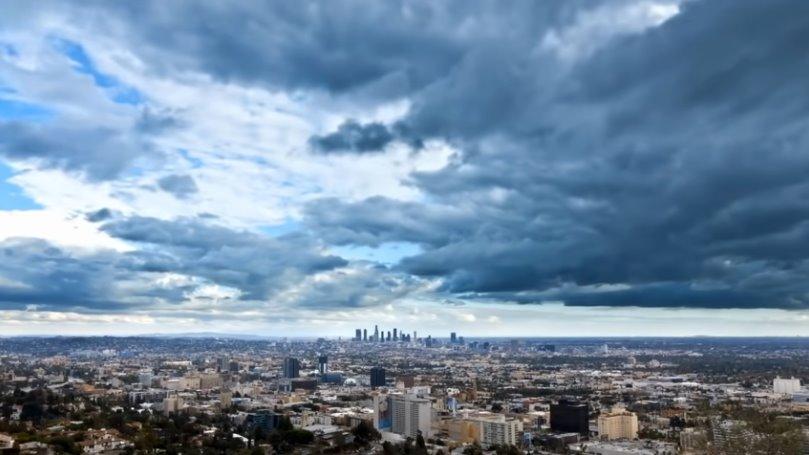 Дождевые облака над городом