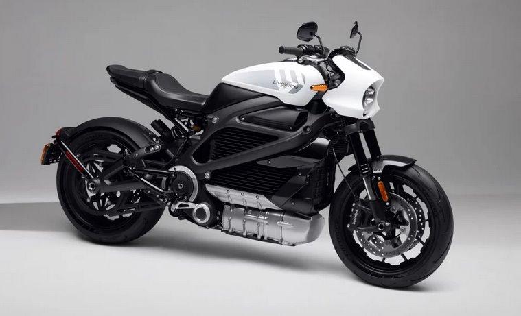 Электромотоцикл Harley-Davidson сменил название и подешевел