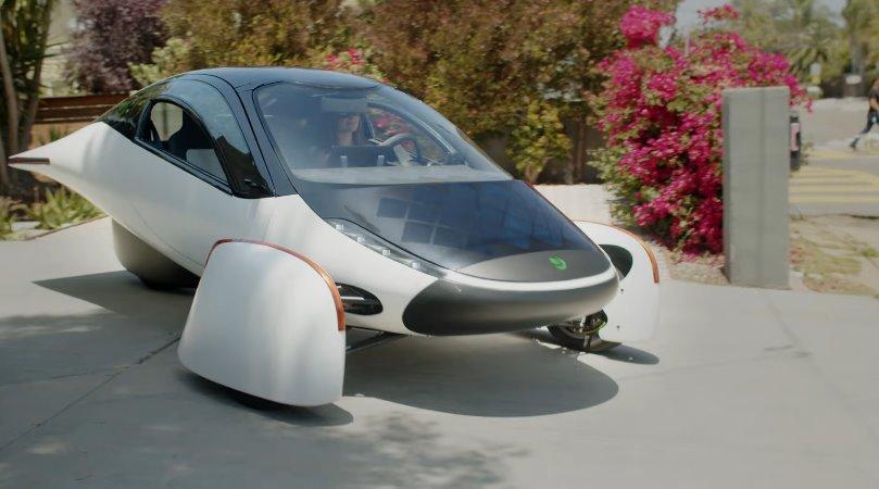 Солнечный электромобиль Aptera Sol превращается в кемпинг видео