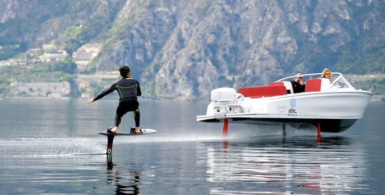 Підводні крила збільшили запас ходу електрокатера в 3 рази