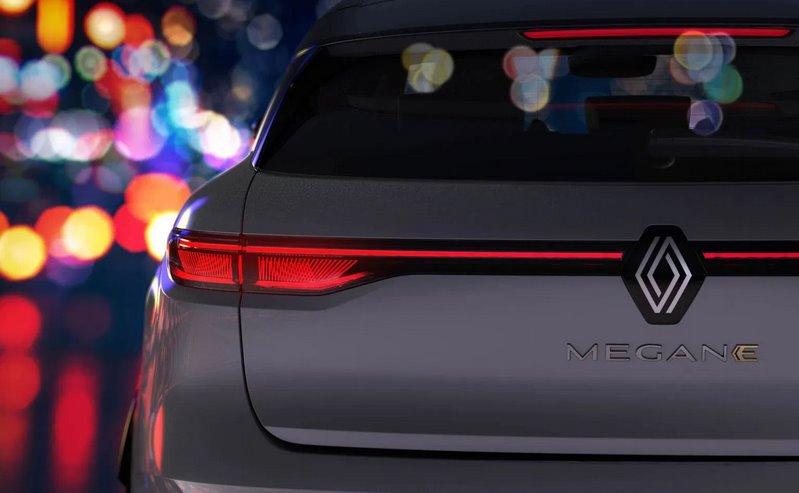 Mgane E-Tech Electric Renault показала первые изображения электромобиля