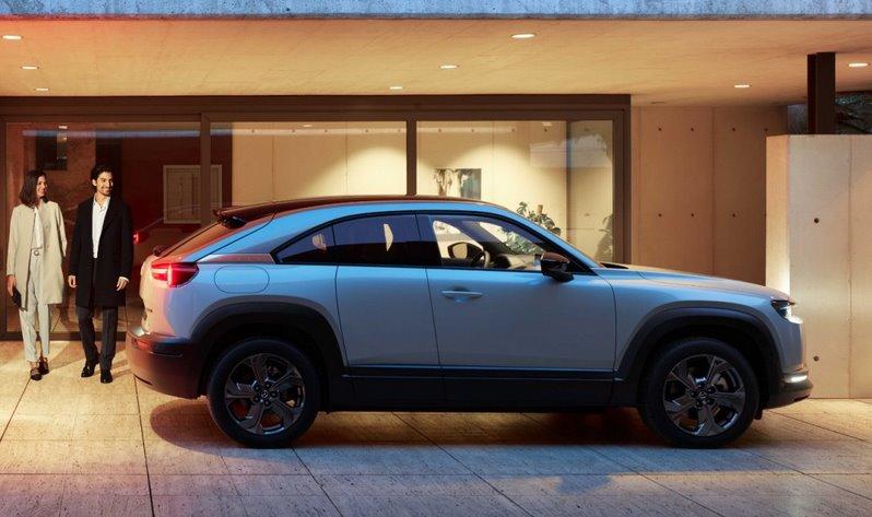 Электрический кросс-хэтч Mazda MX-30 получит гибридную версию с двигателем Ванкеля