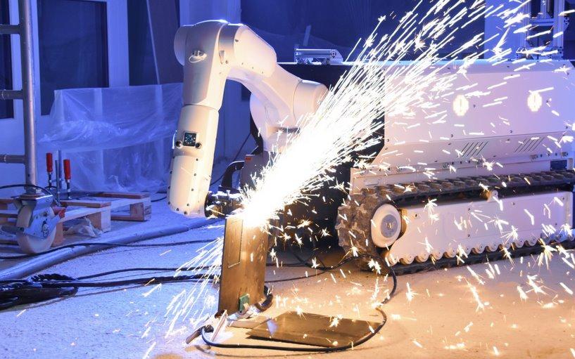 Робот для строики