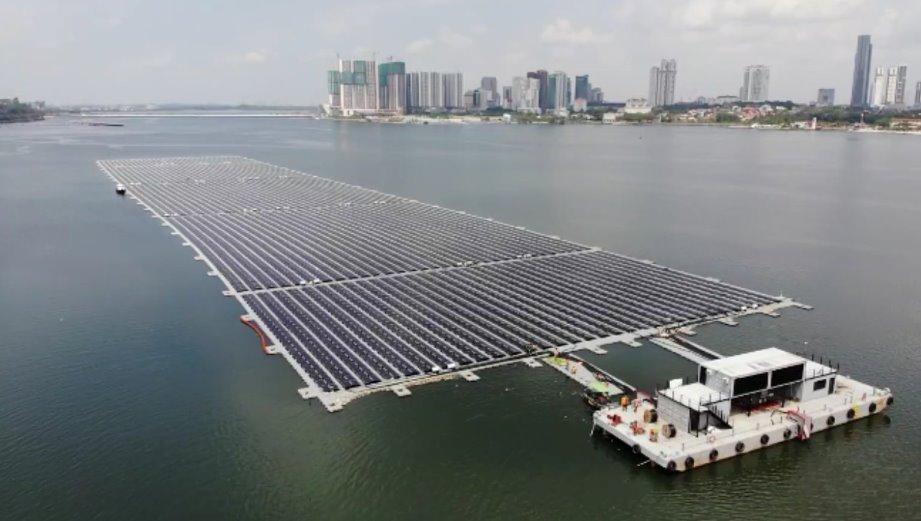 Морская солнечная электростанция - одна из крупнейших в мире - запущена в Сингапуре