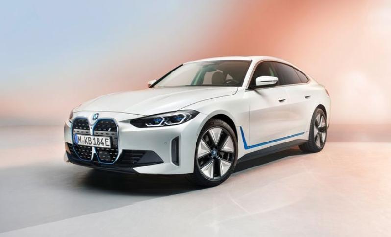 BMW i4  электрический седан показали в подробностях, характеристики раскрыты пока не все
