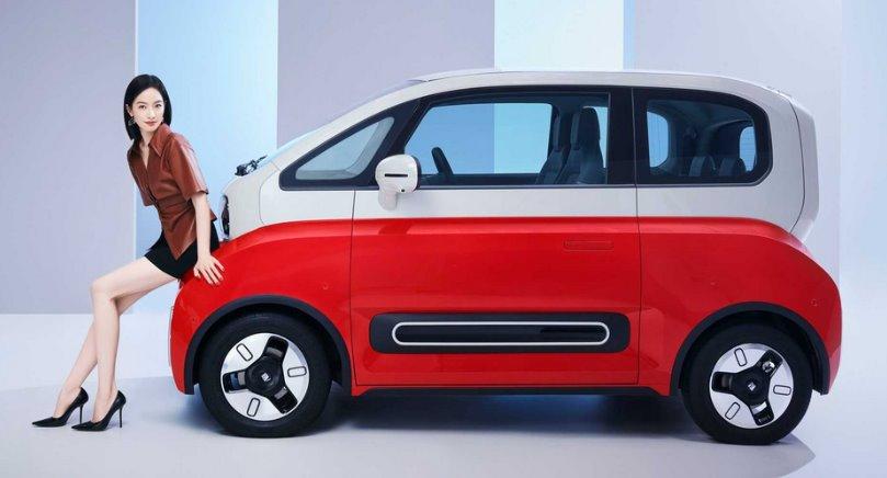 Baojun KiWi EV футуристичный электромобиль из Китая за 11 тыс.