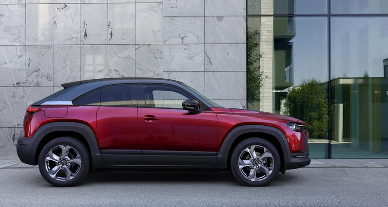 Электрокроссовер Mazda MX-30 вышел в продажу США