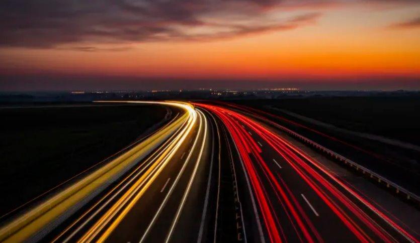 Магнитный бетон позволит заряжать электромобили на ходу