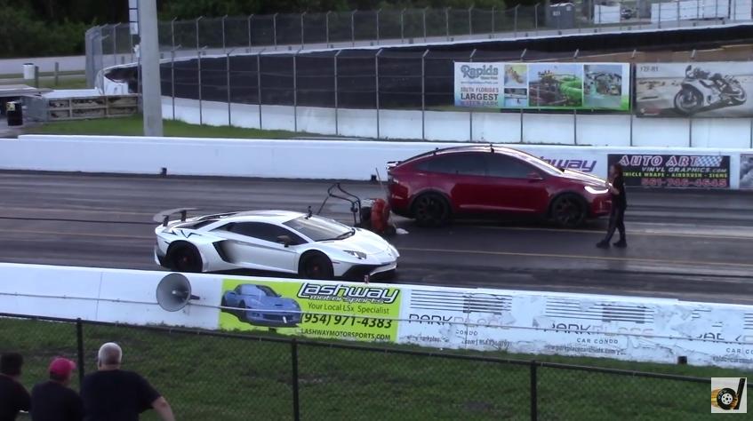 Tesla Model X обогнал в дрэге Lamborghini и стал самым быстрым в мире кроссовером (видео)