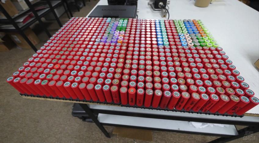 Использованные батареи от ноутбуков