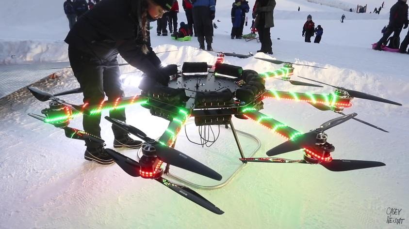 первый в мире дрон, который прокатил человека