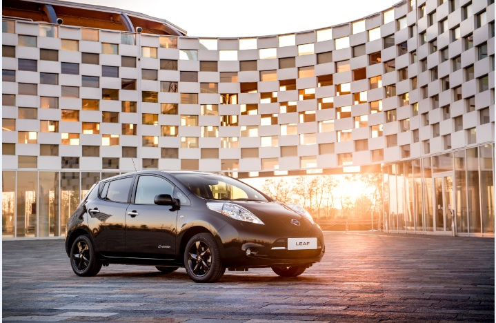 Электромобиль Nissan LEAF Black Edition
