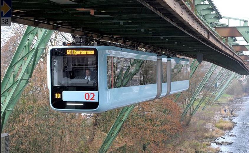 В Германии запустили монорельсовый электропоезд нового поколения
