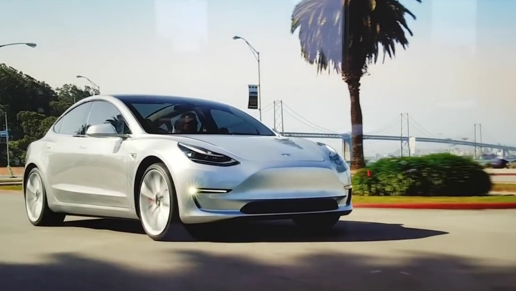 Компания Tesla представила грузовой электрокар Semi и ...