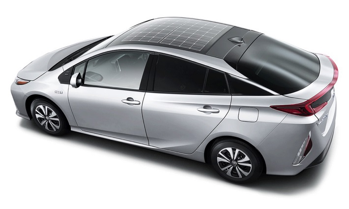 Гибрид Toyota Prius Prime получил солнечную крышу Panasonic