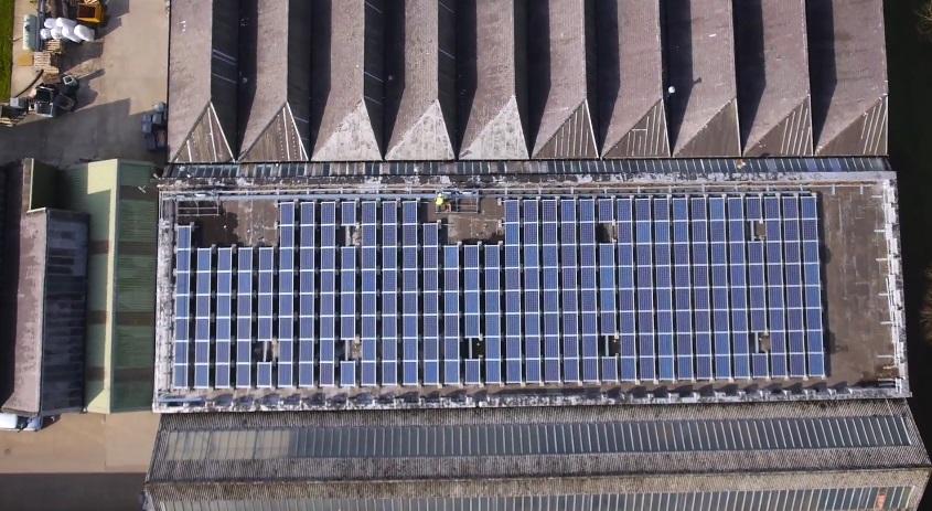Amazon превратит крыши складов в солнечные электростанции